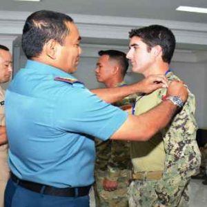 Latihan Bersama US Seal Army