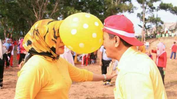 Raja Ariza dan Istri Joget Balon