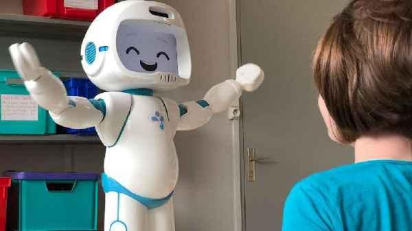 Robot Interaksi
